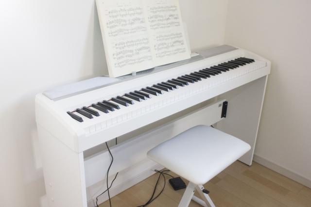 電子ピアノのペダルってどう使えばいいの?使い方や上手な踏み方とは