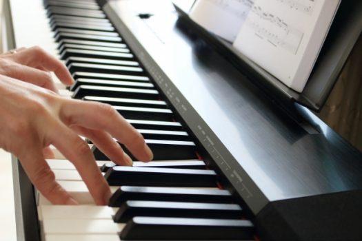 電子ピアノのペダルにはどんな機能がある?
