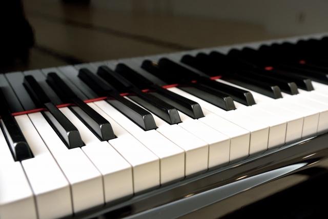 ピアノの響板もチェック!音が狂う原因とその対策