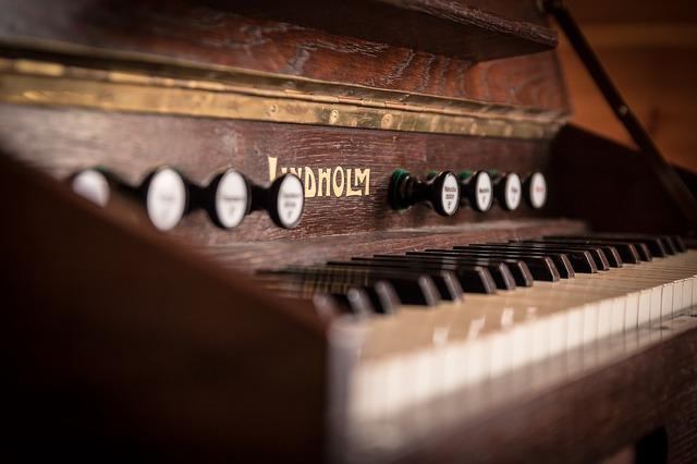 ピアノ修理の定番!フェルト修理の工程