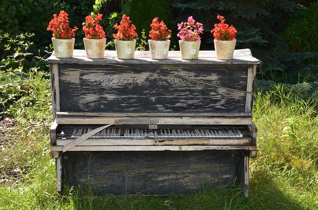 10年以上放置したピアノを調律する流れと費用の相場