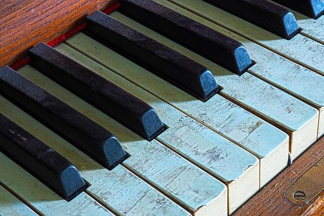 ピアノに使用されている弱音フェルトとオーバーホールについて